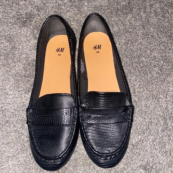 H&M Embossed Black Loafers - Black Size 38